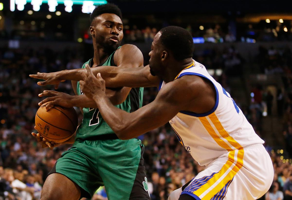 Golden State flashes its star power in beating Celtics
